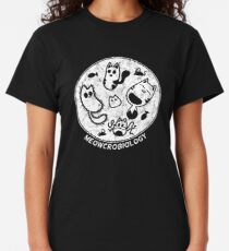 Cats love Microbiology Distressed Classic T-Shirt