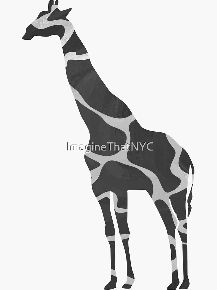 Giraffe Black and Light Gray Print de ImagineThatNYC