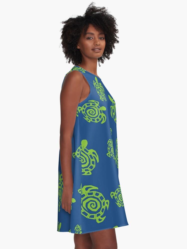 Vista alternativa de Vestido acampanado Tortuga verde y azul impresión