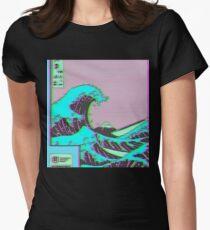 Die große Welle vor Vaporwave Kanagawa Tailliertes T-Shirt für Frauen