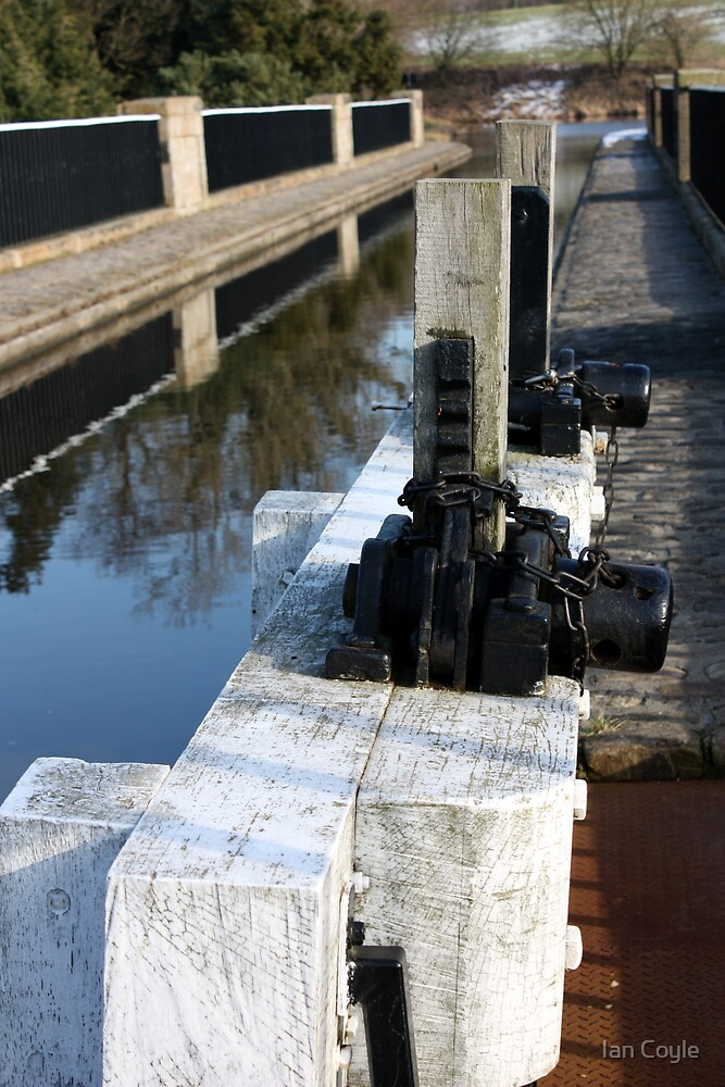 Canal sluice gate in colour by Ian Coyle