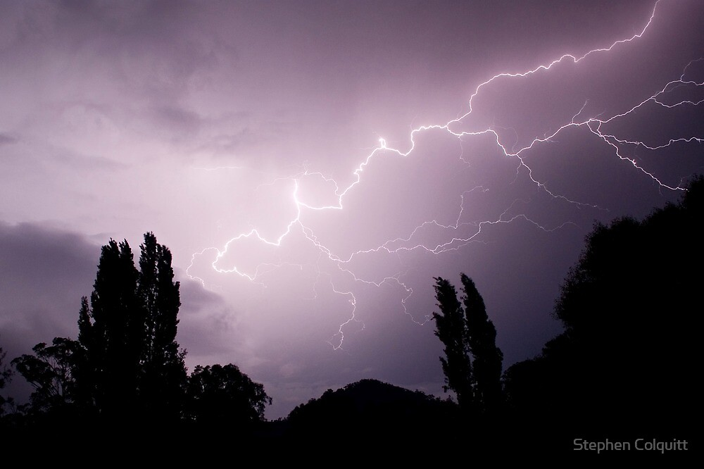 Lightning show over Tumut  by Stephen Colquitt