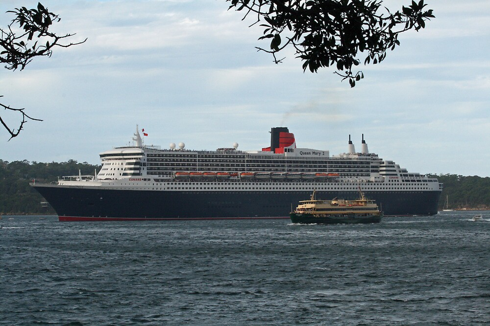Queen Mary 2 Arrives Sydney 001 by Kezzarama