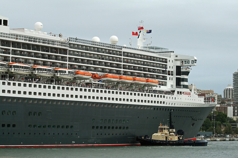 Queen Mary 2 Arrives Sydney 011 by Kezzarama