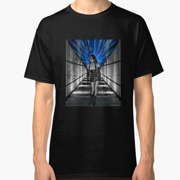 La Femme Kunoichi Classic T-Shirt