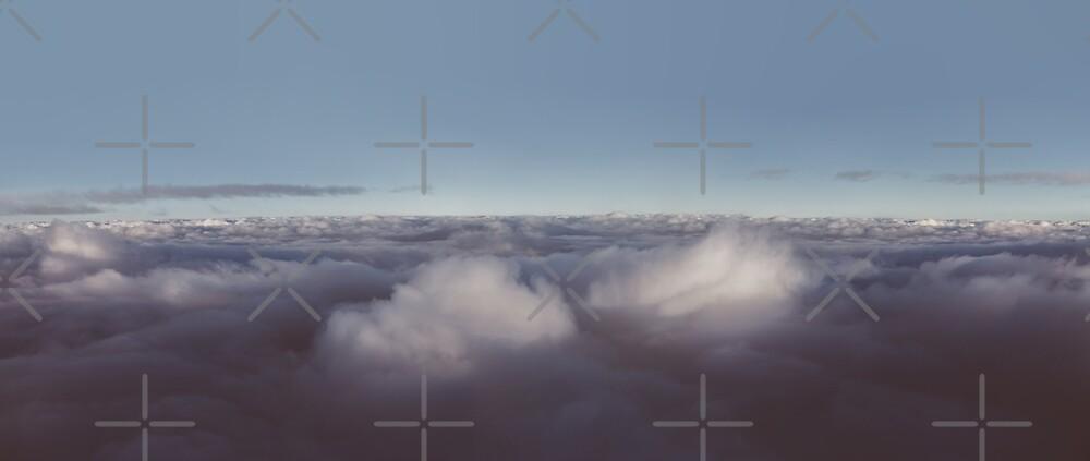 Panorama der Wolken über Himmel von Victoria Avvacumova