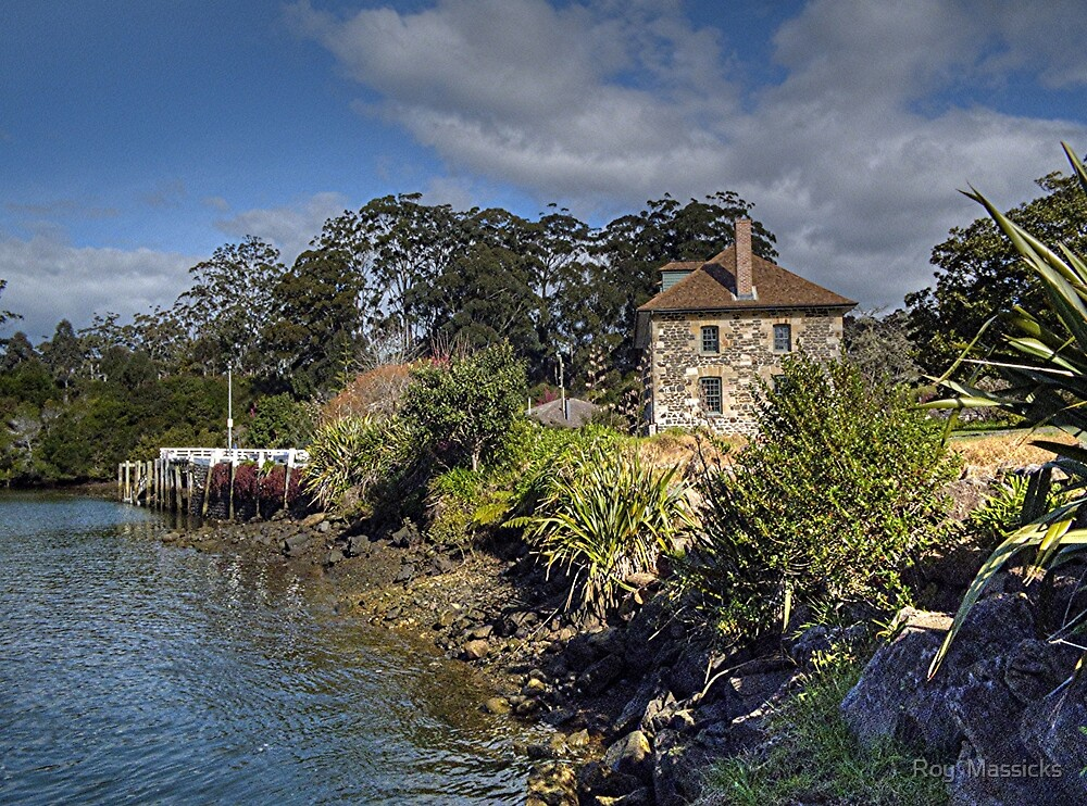 Stone Store, Kerikeri, New Zealand.....! by Roy  Massicks