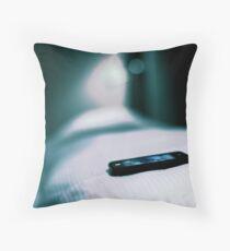 Conform pillows Throw Pillow
