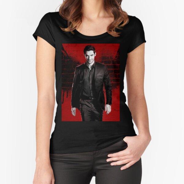 Lucifer Camiseta entallada de cuello ancho