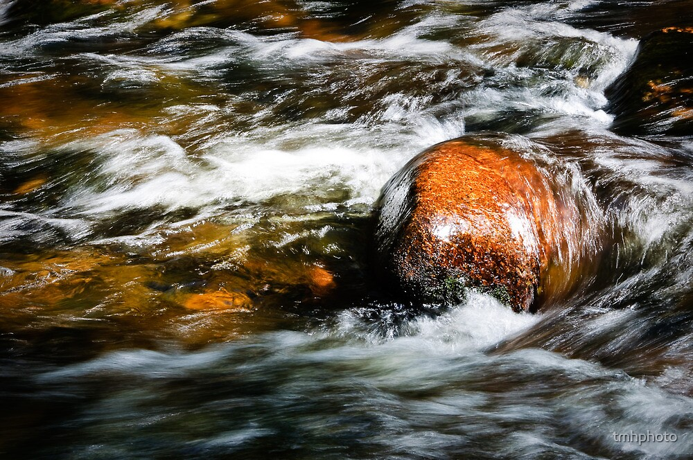 Fast Water 2 by tmhphoto
