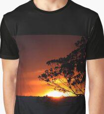 Hügels Sonnenuntergang Grafik T-Shirt