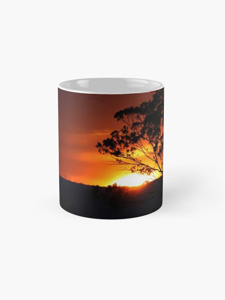 Alternative Ansicht von Hügels Sonnenuntergang Tasse (Standard)
