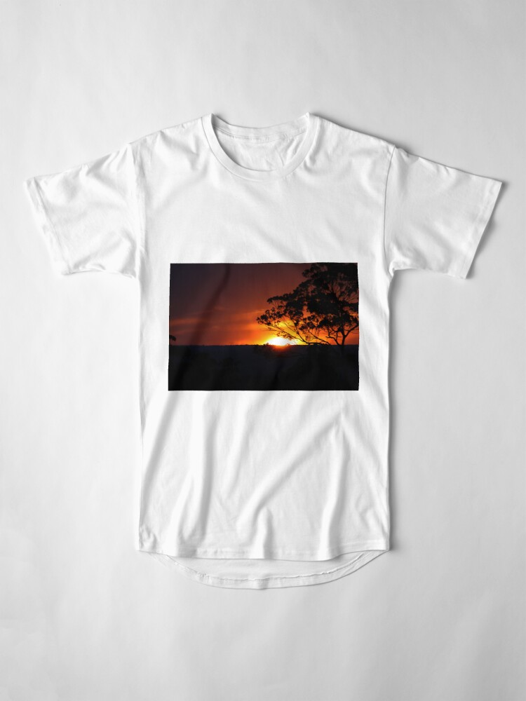 Alternative Ansicht von Hügels Sonnenuntergang Longshirt