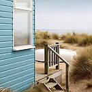 Beach Hut by naffarts