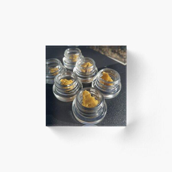 Grams of sour d live resin wax Acrylic Block