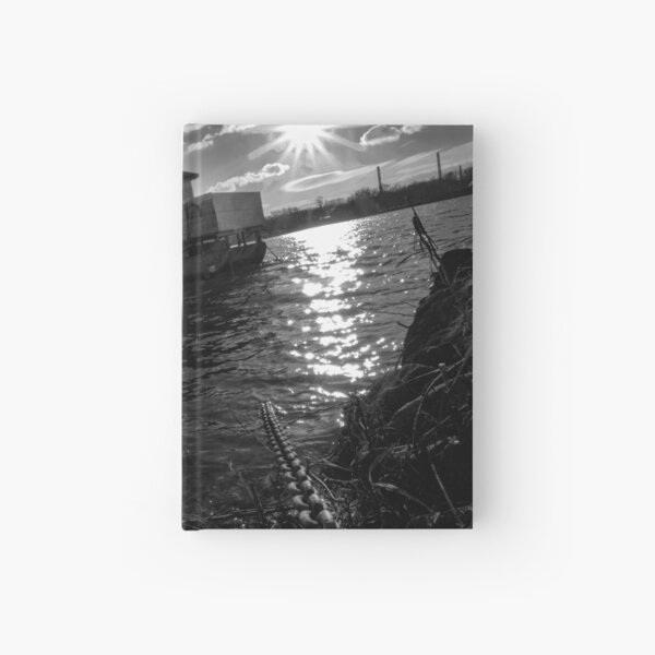 Hausboot an der Kette Notizbuch