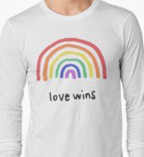 LGBTQA+  PRIDE [Love Wins] Long Sleeve T-Shirt