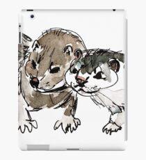 Two American minks Vinilo o funda para iPad