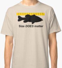 Size does matter - fishing T-shirt Classic T-Shirt