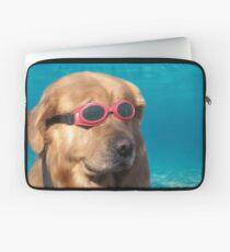 Schwimmer Hund Laptoptasche