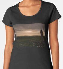Berneray: Clach Mhor Standing Stone Women's Premium T-Shirt