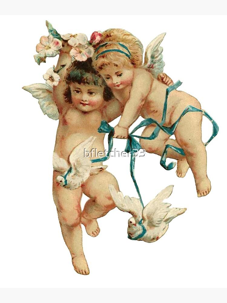Los querubines angelicales juegan con sus palomas. de bfletcher33