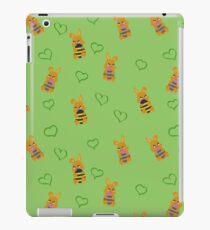 Osterhäschen Muster iPad-Hülle & Klebefolie