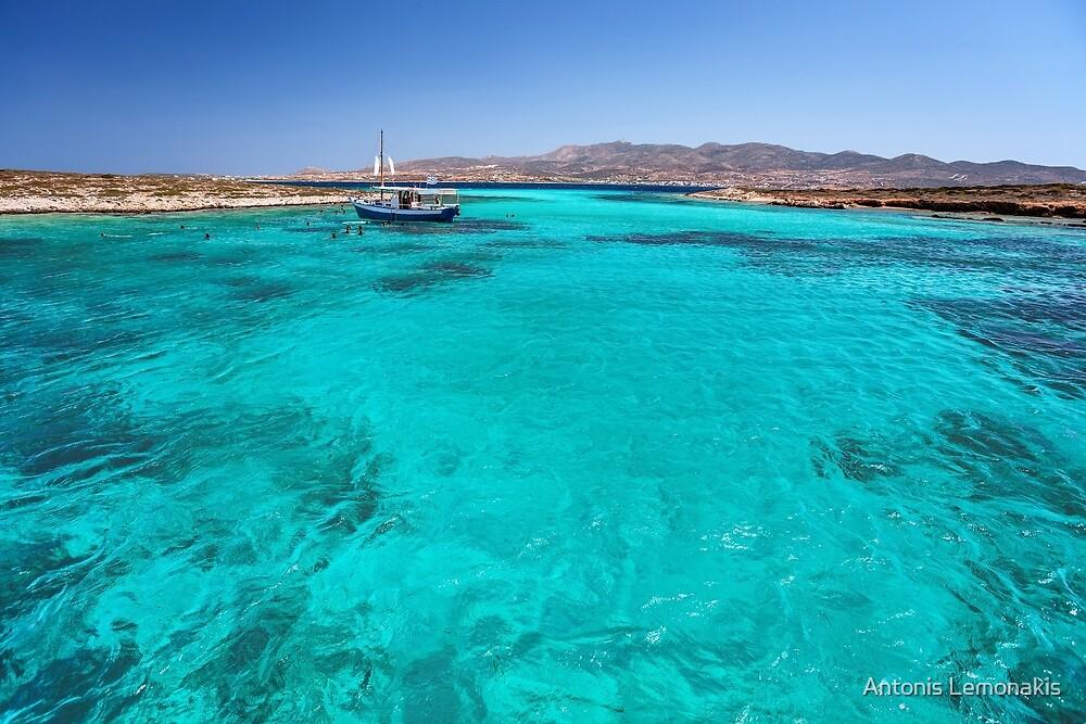 Blue lagoon in Antiparos islands, Greece by Antonis Lemonakis