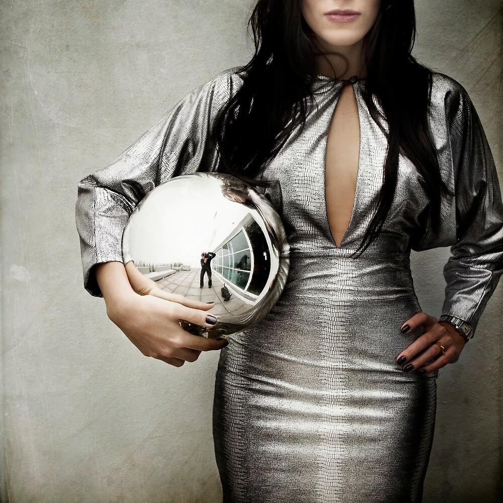 Crystal ball by Vanesa Muñoz