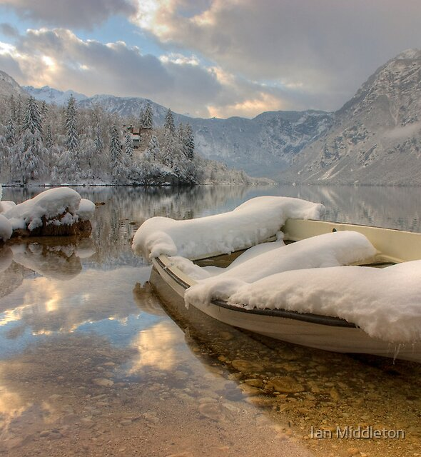 Snowy lake. by Ian Middleton