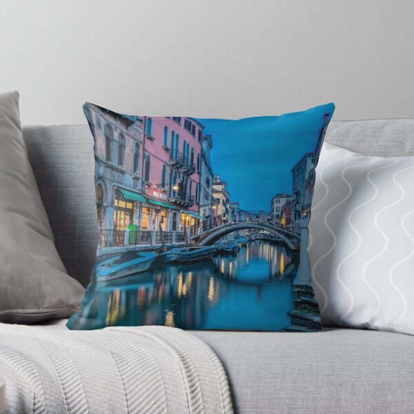 After the sun has set in Venice Throw Pillow