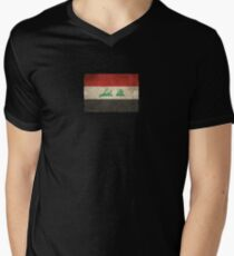 Old and Worn Distressed Vintage Flag of Iraq Men's V-Neck T-Shirt