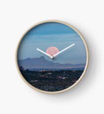 Mond über Tucson - Vollmond stellt in den frühen Morgenstunden in Tucson Arizona ein Uhr