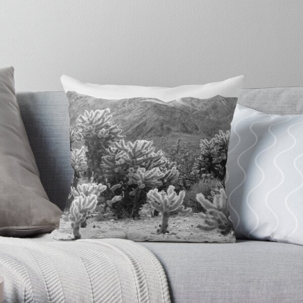 Super Bloom Paradise Joshua Tree 7375 Throw Pillow