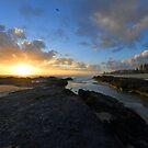 Currumbin Beach Sunrise, Gold Coast, Australien von Ralph de Zilva