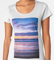 Dreamy sunrise Premium Scoop T-Shirt
