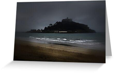 Misty Mount. by Richard Hamilton-Veal