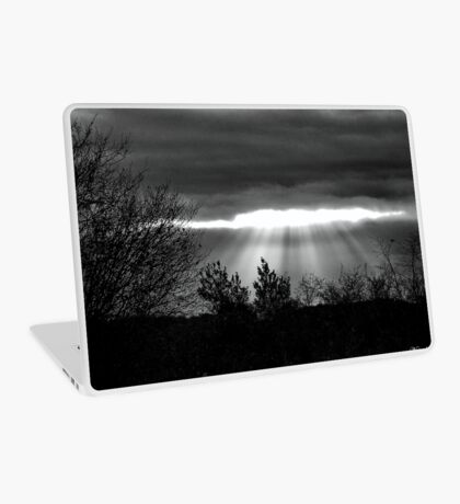 The Last Rays! Laptop Skin