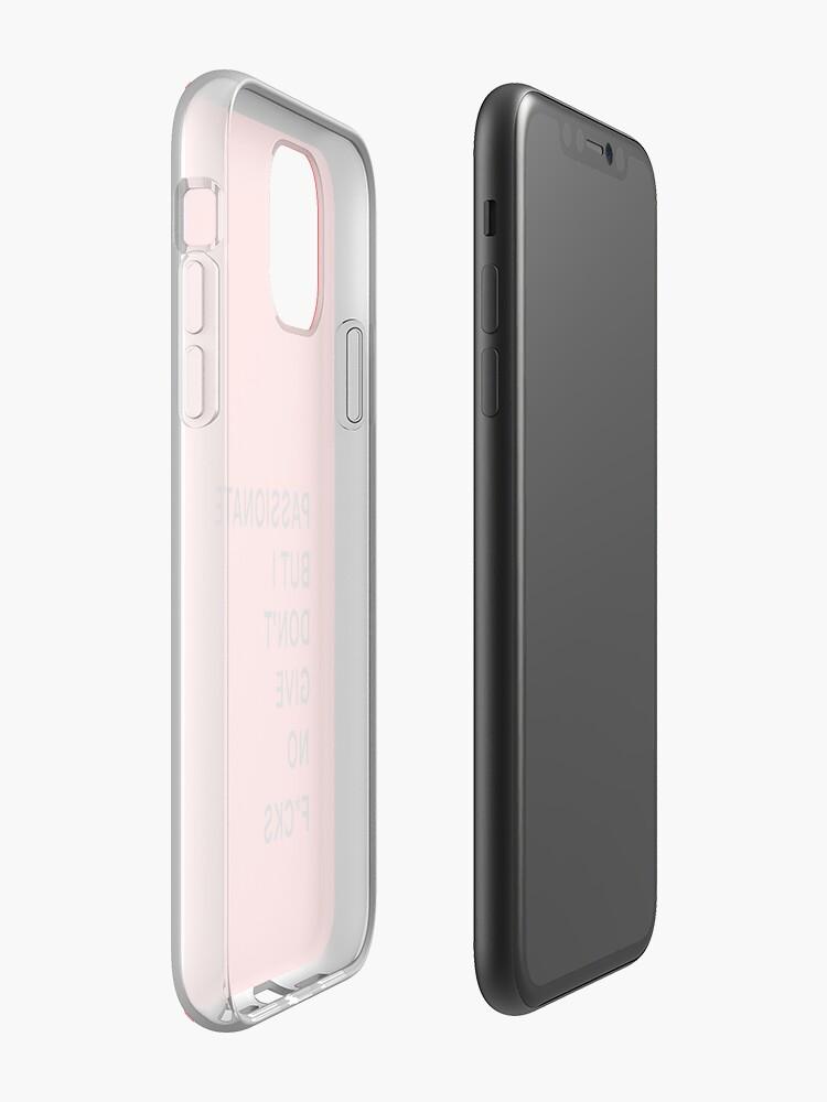 Coque iPhone «passionné mais je ne donne pas de F», par ForgetMeKnot