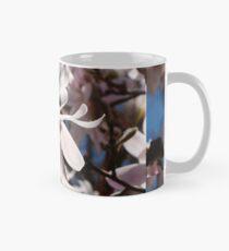 Die Schönheit eines südlichen Frühlings Tasse (Standard)