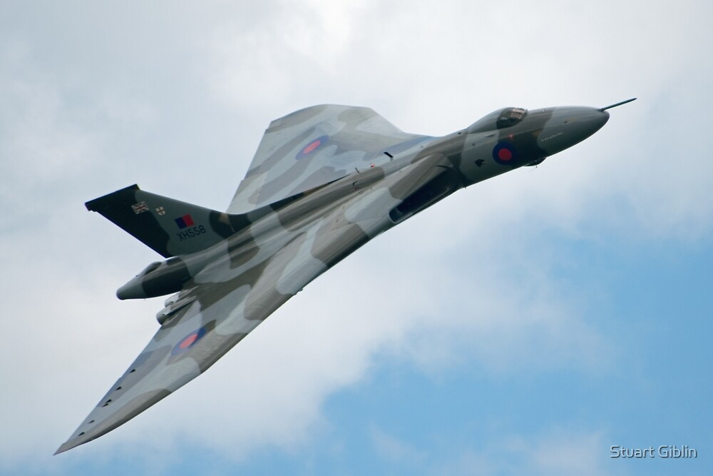 Vulcan XH558 - Barton by Stuart Giblin