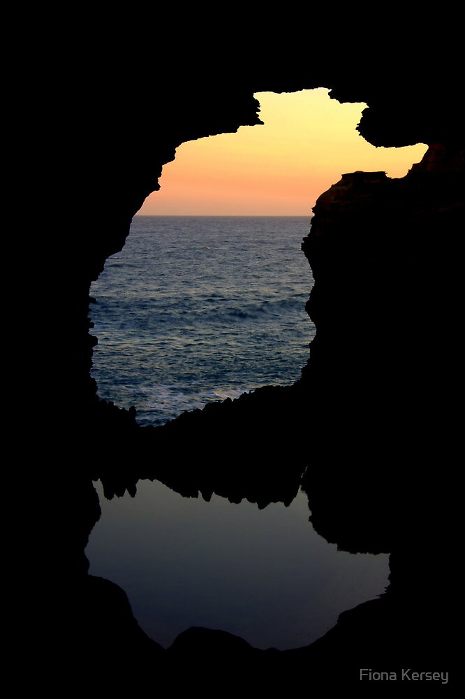 The Grotto, Great Ocean Rd, Victoria by Fiona Kersey