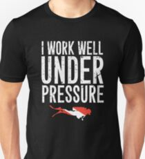 0610466f21 I work well under pressure - Scuba diving Slim Fit T-Shirt