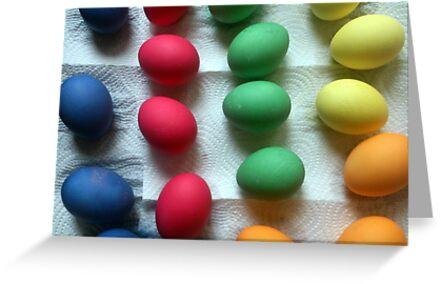 'Frisch gefärbte Oster-Eier' Grußkarte by Gourmetkater