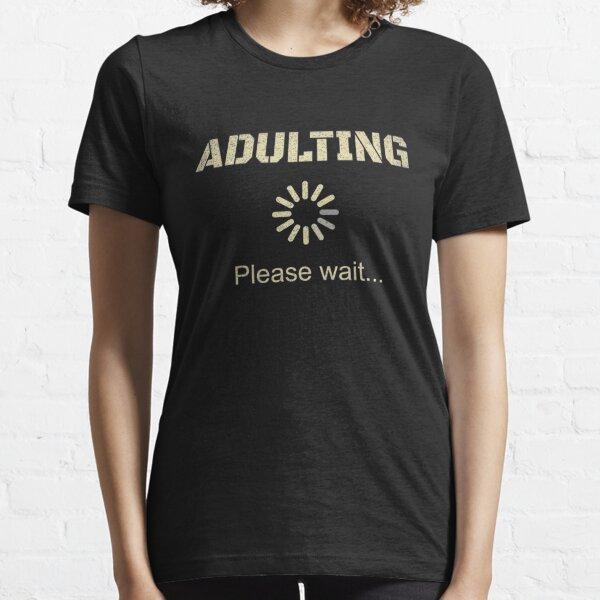 Camiseta de regalo de cumpleaños número 18 para adultos para niñas de 18 años. Camiseta esencial