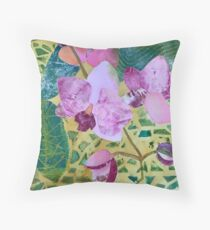 Be Pink! Throw Pillow