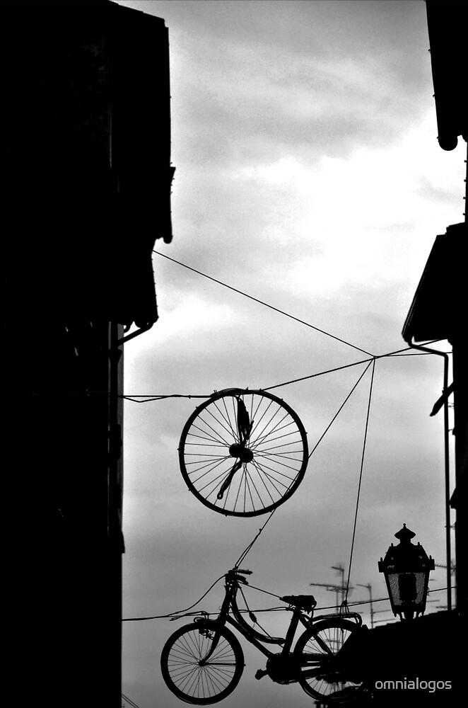 Dreams cycling by omnialogos