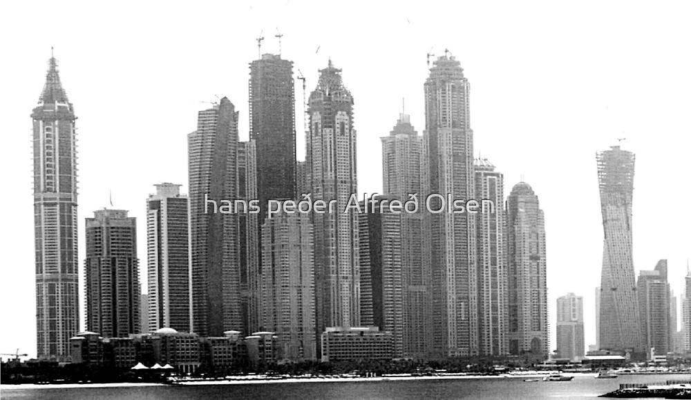 Dubai - out of the desert by hanspeder
