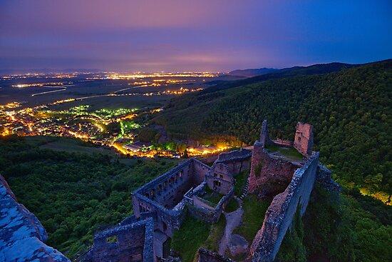 « Château la nuit » par Jean Isenmann