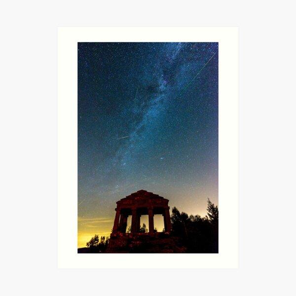 Perséides et voie lactée la nuit Impression artistique